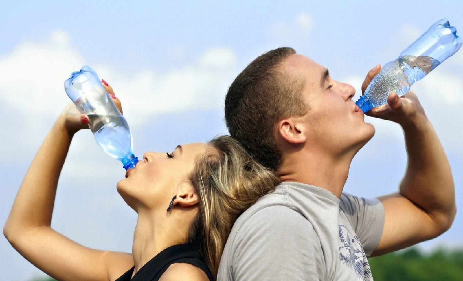 Пейте воду вместо сигареты и еды
