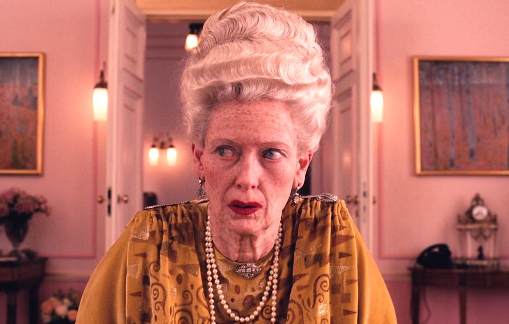 Бабушка в отеле