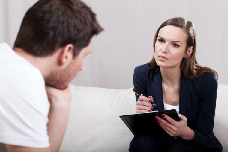 у психолога на приеме