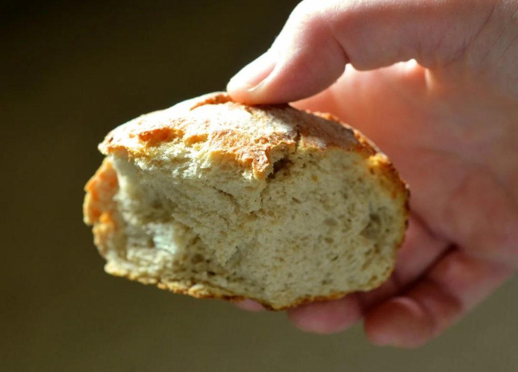 объеденный хлеб